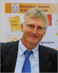 Dr. Roland Falk
