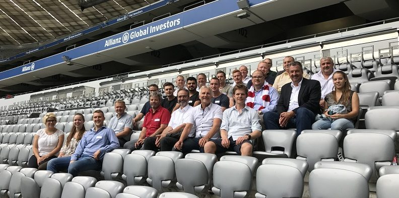 Ausbau-Manager, FSK, Stadion